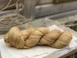 Eden Cottage Yarns Oakworth 4 ply falling leaves: filato hand dyed in pura lana Polwarth - Amici di Maglia
