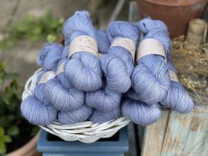 Eden Cottage Yarns Oakworth 4 ply millpond: filato hand dyed in pura lana Polwarth - Amici di Maglia